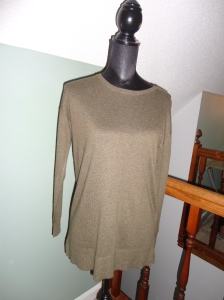Longer length lightweight knitted sweater in Earthy Green - Loft