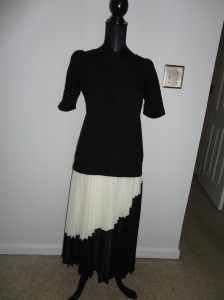 Chiffon Pleated skirt Cream/Black Asymmetric design Previously bought from Banana Republic